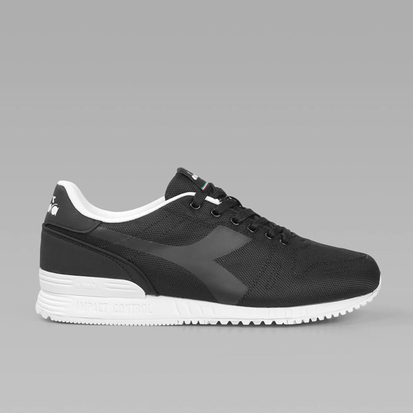 DIADORA TITAN FLY Black White