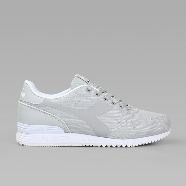 DIADORA TITAN FLY GREY WHITE