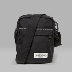 EASTPAK THE ONE SHOULDER BAG BLACK STITCHED
