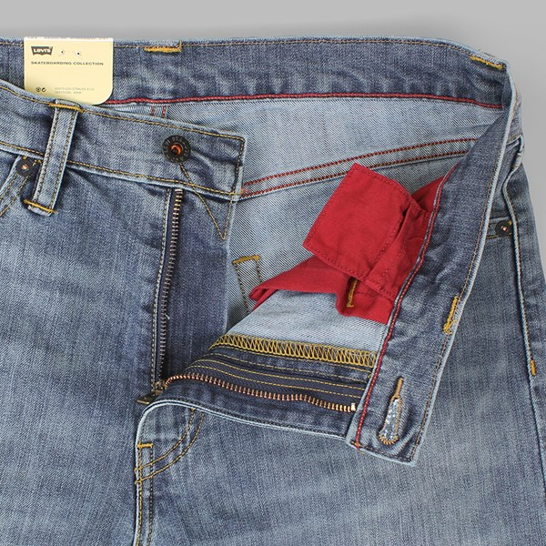 LEVI'S SKATE 504 REGULAR STRAIGHT AVENUES