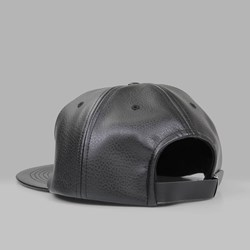 MAGENTA LEATHER BRODE 6 PANEL CAP BLACK
