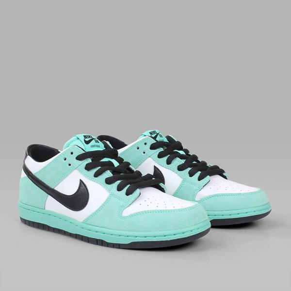 buy popular 2393a 0a4b3 NIKE SB DUNK LOW PRO IW GREEN GLOW BLACK WHITE