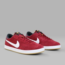NIKE SB FC CLASSIC TEAM RED WHITE BLACK