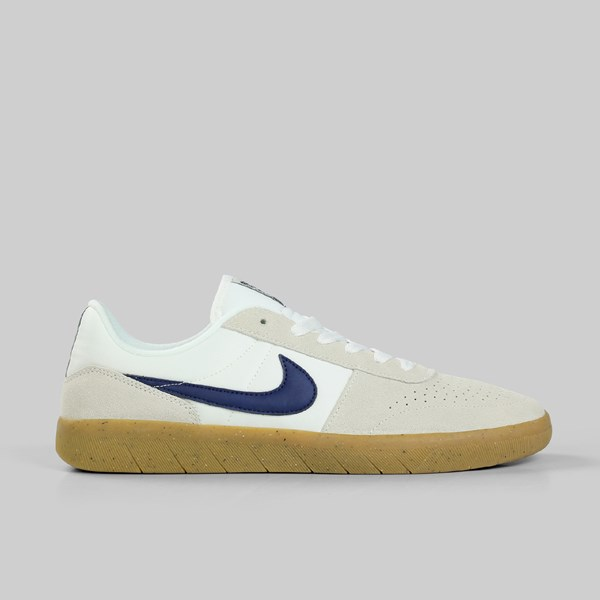 71b7162a63c NIKE SB TEAM CLASSIC SUMMIT WHITE BLUE VOID GUM