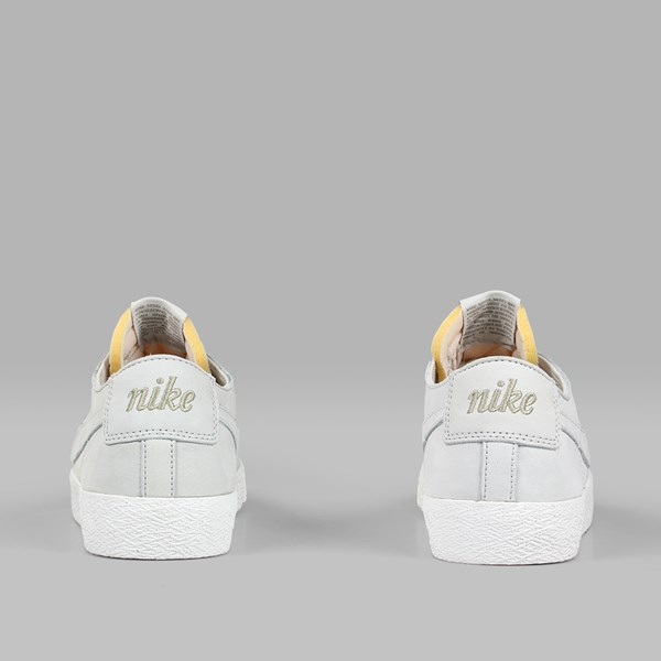 NIKE SB ZOOM BLAZER LOW DECONSTRUCTED LIGHT BONE