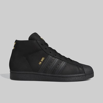 ADIDAS PRO MODEL CORE BLACK GOLD MET WHITE