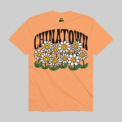 CHINATOWN MARKET SMILEY FLOWER POWER SS TEE PEACH
