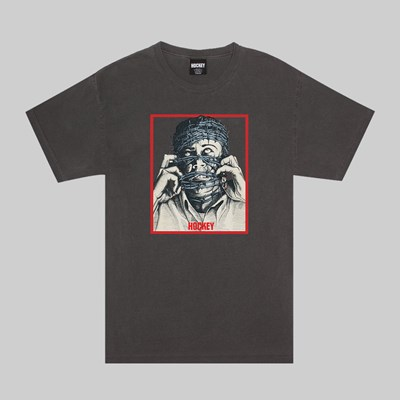 HOCKEY BARBWIRE PIGMENT DYED SS T-SHIRT PEPPER