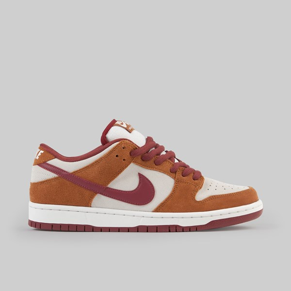 NIKE SB DUNK LOW PRO DARK RUSSET CEDAR SUMMIT WHITE