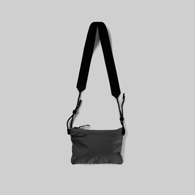 RAINS ULTRALIGHT POUCH BAG BLACK